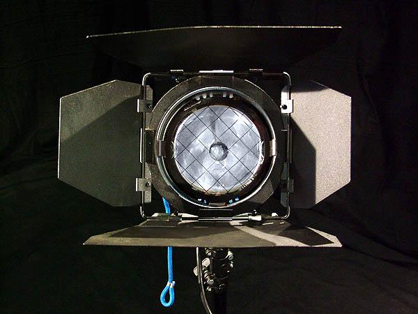 Arri-200w-HMI-Par-Light-Kit