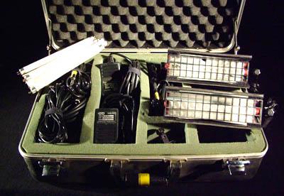 Kino Flo Mini-Flo Light Kit with case - click here