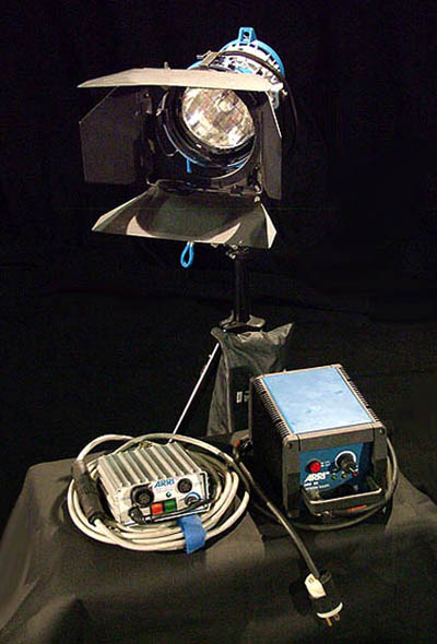 ARRI 200w HMI PAR LIGHTING KIT - AC/DC - Click here